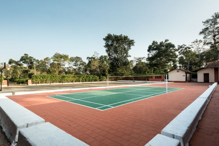 The Retreat - Badminton and basketball courts waiting for you
