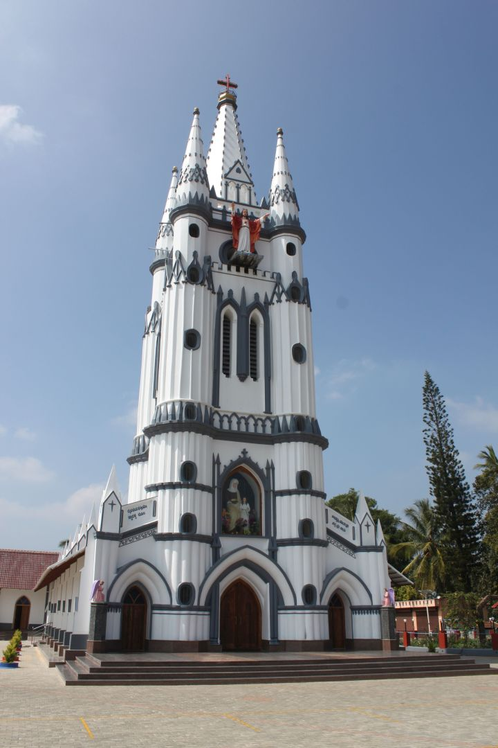 Virajpet - The spectacular St. Anne's church